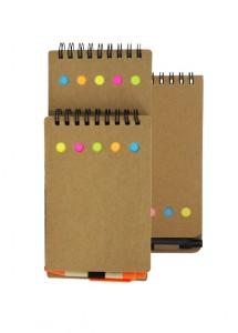 Bloco de anotações e caneta, material reciclado, com post-it.