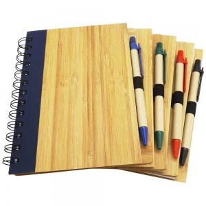 Bloco de anotações com caneta e capa de madeira