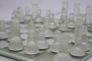 Jogo de xadrez de vidro e acrílico