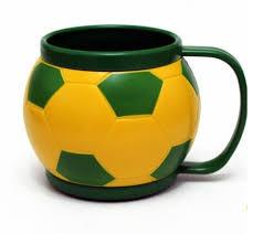 Brinde caneca formato bola de futebol 400 ml  Copa Mundo 2018