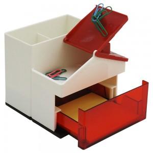 Porta caneta formato em formato casa, com telhado que abre e fecha