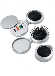 Escova com espelho mais kit costura, material em plástico resistente.